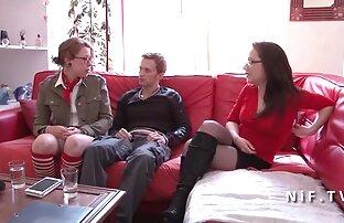 رجل مع الديك طويلة مارس الجنس امرأة سمراء في الحلق وفي الحمار افلام إباحية اجنبيه مرنة