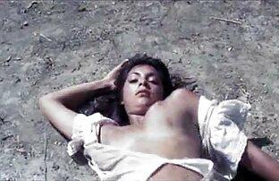 كيمبرلي بركس تمتص الحبيب الأسود افلام اباحيه اجنبيه الديك على الأريكة