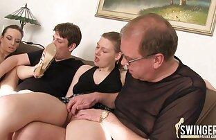 لاتينا مع الحليب مواقع افلام اباحية اجنبية كبيرة الملاعين مع مفتول العضلات على الأريكة