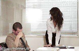 مدرب لعق كس افلام إباحية اجنبية امرأة سمراء جميلة في جلسة
