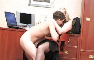رجل افلام اباحيه اجنبيه في الحمام سحب بعقب ضيق من صديقته
