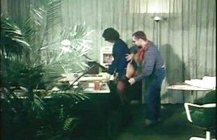 اثنان مشرف مواقع اجنبيه اباحيه اللعنة نموذج في ال كس على ل أريكة بواسطة أسود