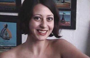 بعد طخت الجسم عن طريق السائل الدهني ، مدلك افلام اجنبية مترجمة اباحية ، فتاة شقراء ، شعر بني بين الفخذين