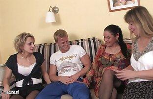 الجنس الجامح في المنزل اباحية اجنبية غرفة المعيشة الطلاب.